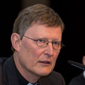Ein Aufklärer wollte Kardinal Woelki werden, als er ein Gutachten über die Vertuschung von Missbrauchsfällen ankündigte. Nun sieht er sich selbst mit Vorwürfen konfrontiert.Erstmals Vertuschungsvorwürfe gegen Kardinal Woelki - Der Druck auf den Kölner Erzbischof wächst