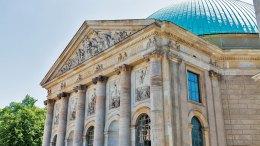 Die St. Hedwig-Kathedrale in Berlin (Foto: © Sergiy Palamarchuk | Dreamstime.com)