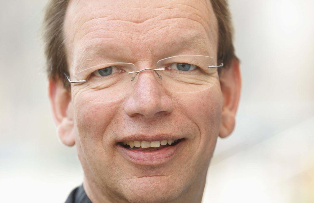 Der Präsident des katholischen Hilfswerks missio München, Wolfgang Huber, rät Handy- und Smartphone-Besitzern, ihre Mobiltelefon so lange wie möglich zu nutzen.