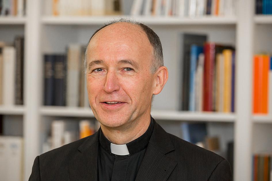 Bern –Erzbischof Martin Krebs (64) ist nun auch offiziell Papstbotschafter in der Schweiz und in Liechtenstein. Er überreichte (Donnerstag) in Bern sein Beglaubigungsschreiben an Bundespräsident Guy Parmelin. Tags zuvor hatte er im Fürstentum dem Erbprinzen Alois seine Akkreditierung übergeben.
