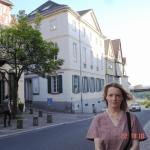 Petra Hammerstein am Dalberg vor meinem Stadtpalais
