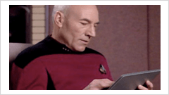 Jean Luc Picard mit iPad