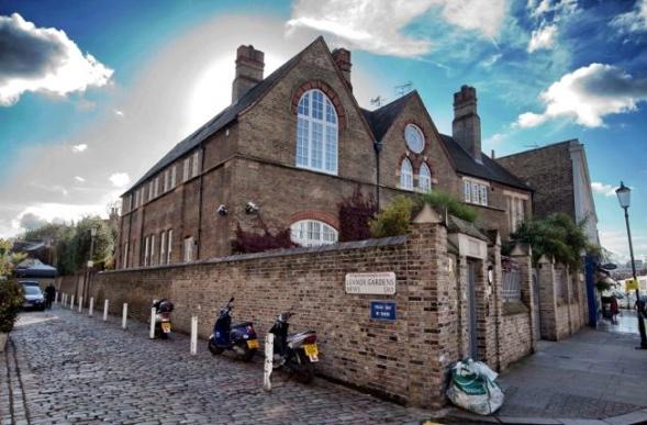 Luxus saniertes ehemaliges Amtsgericht in Knightsbridge, London.