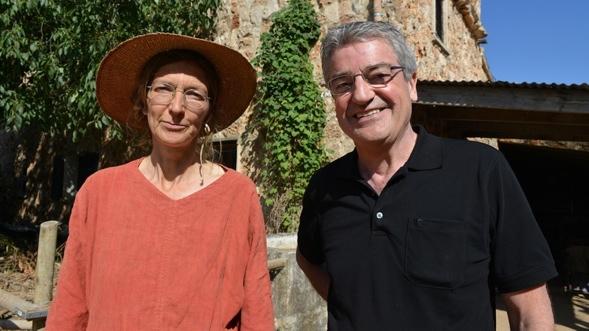 Franz Gernstl mit der Rinderzüchterin Marie-Luise Eike auf Mallorca.
