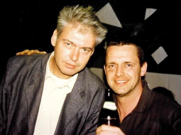 Mit Ernst Auerbacher (R.I.P.) und Alfi beim Simon 77-Festival 1997 im Ballroom Club. Foto: Sigi Hümmer