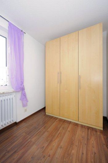 Kinderzimmer-Schrank-681x1024