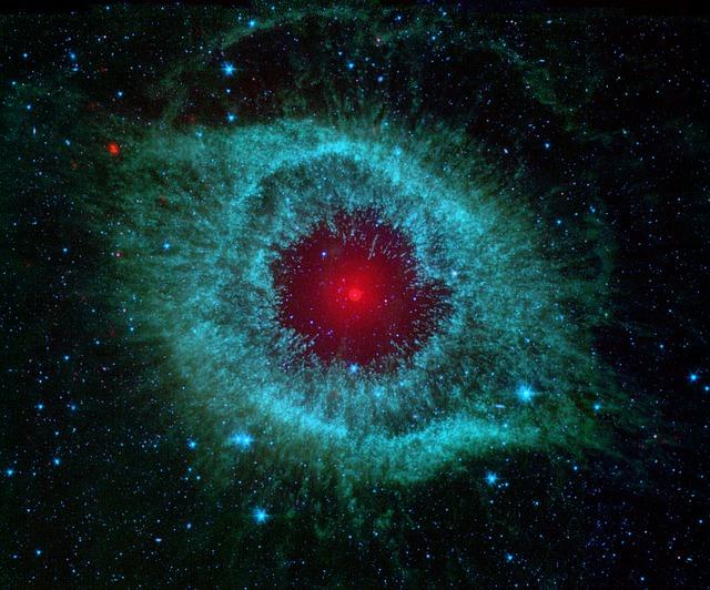 helix-nebula-11156_640