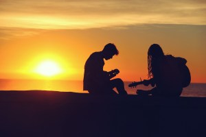 silhouette_music_sunset_guitar_couple PXHERE