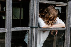 """Covid-19 e Saúde Mental: (des)romantizando o """"home office"""""""