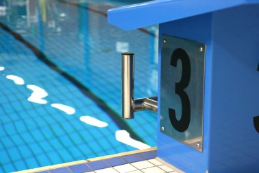 swimming-pool-3998070_960_720