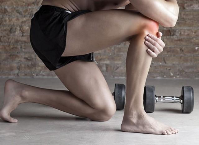 Как заниматься спортом людям с больными коленями