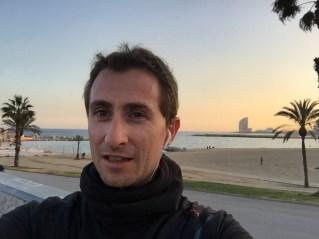 Yo corriendo con 5 grados en Barcelona