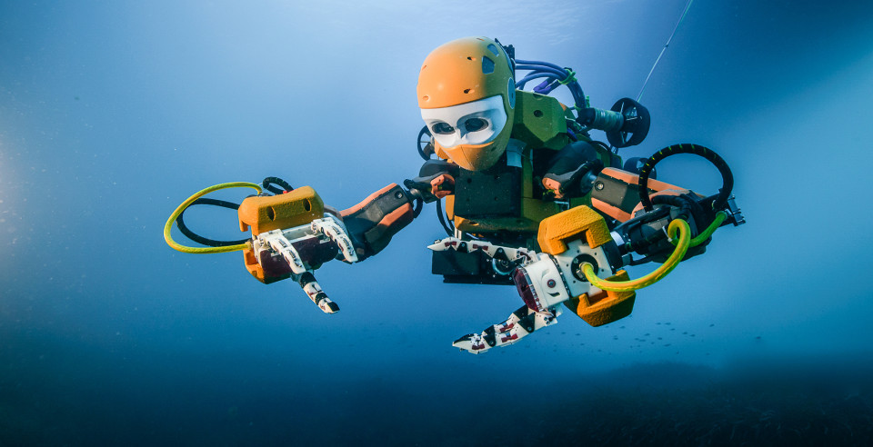 Maiden voyage of Stanford's humanoid robotic diver recovers treasures from King Louis XIV's …