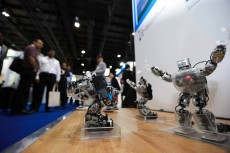 REPORT: Robots to dramatically boost logistics by 2020
