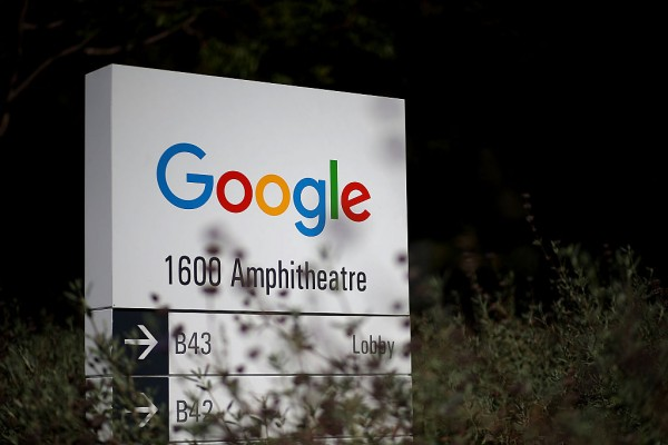 Google's Artificial Intelligence Captions Pictures With 94 Percent Accuracy