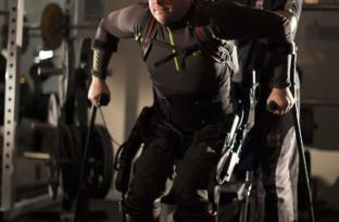 Image shows Mark Pollock with trainer Simon O'Donnell.