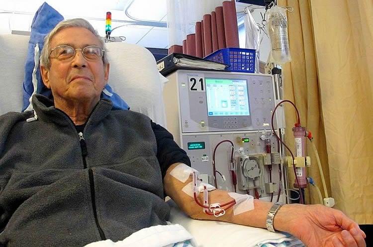 an olderman undergoing dialysis