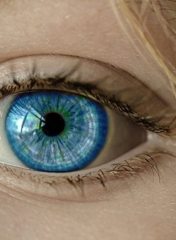 This shows a woman with blue eyes