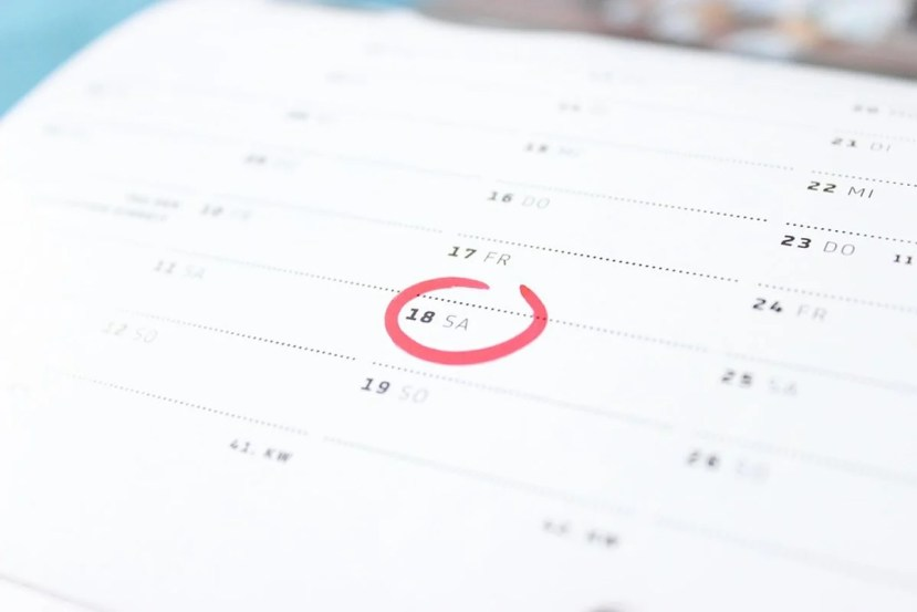 This shows a circle on a calender