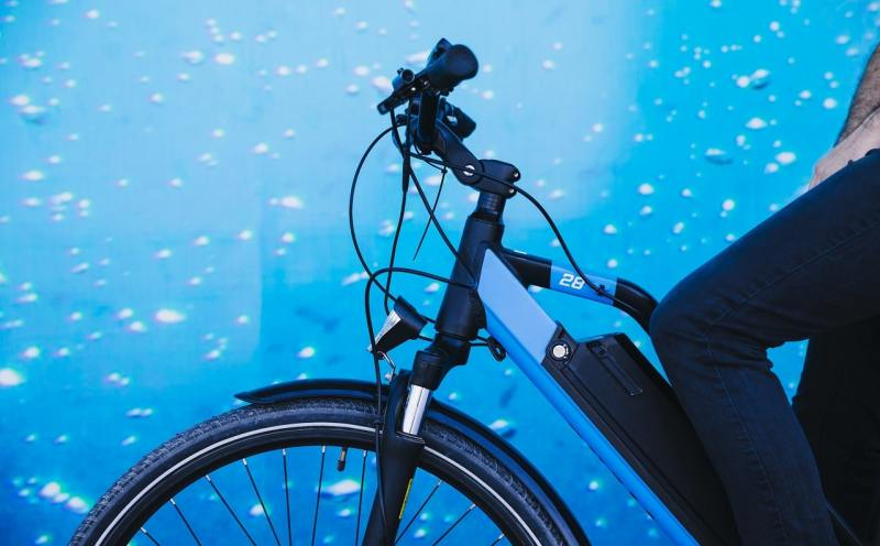 Use electronic bicycles