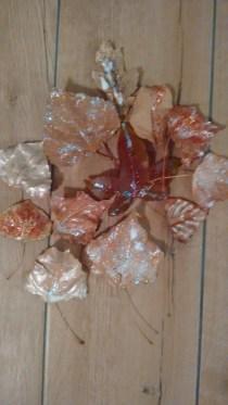 glitter leaves fall decor | neveralonemom.com