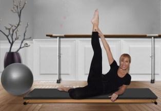 woman exercising |neveralonemom.com