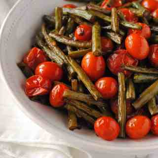 balsamic roasted green beans and tomatoes