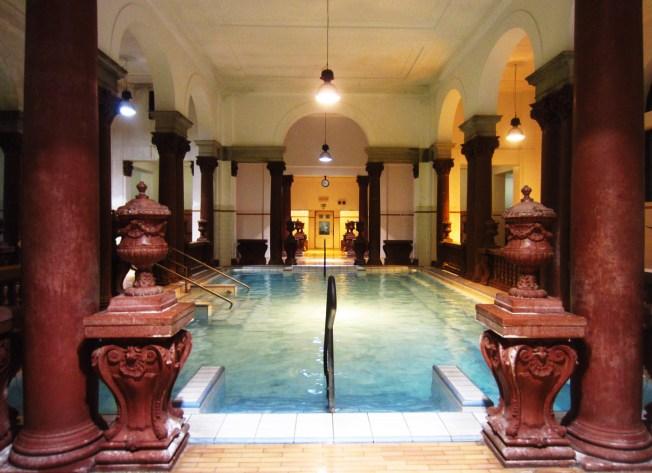 Szechenyi Gyogyfurdo thermal baths