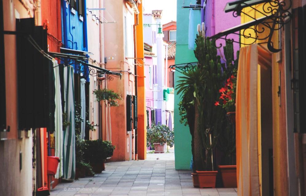 Burano: Blues, yellows and pinks (4)