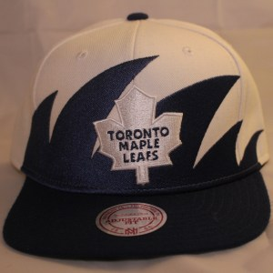 Mitchell & Ness NHL Toronto Maple Leafs Shark-Tooth Snapback Cap