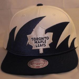 Mitchell & Ness NHL Toronto Maple Leafs Shark-Tooth Snapback Cap