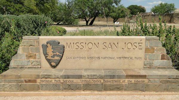 San Antonio, Texas, USA Guide from NeverEndingJourneys.com