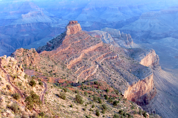 Grand Canyon AZ Travel Tips and Best Hike Information from NeverEndingJourneys.com