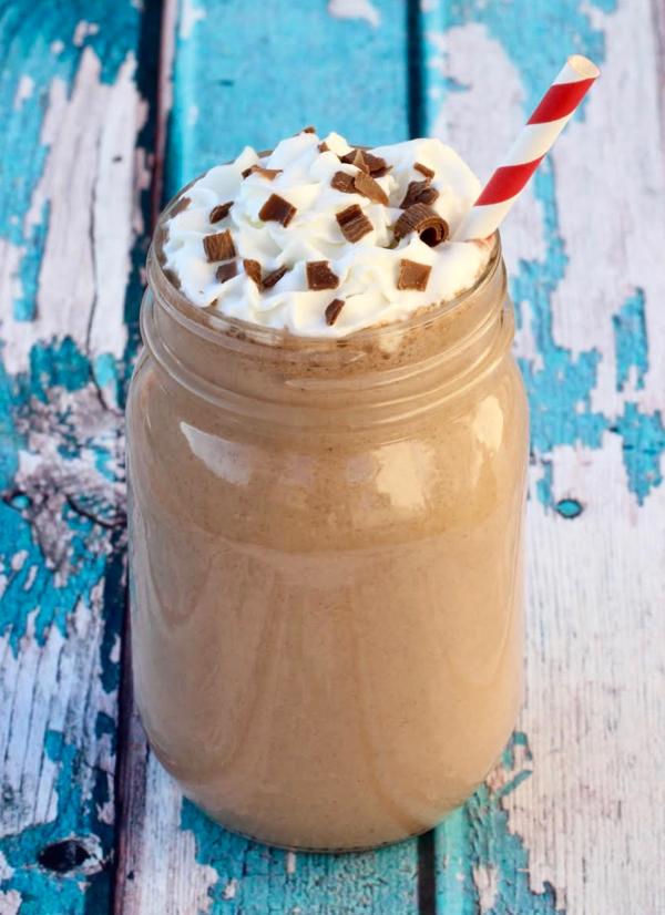 Nutella Milkshake Recipe by NeverEndingJourneys.com