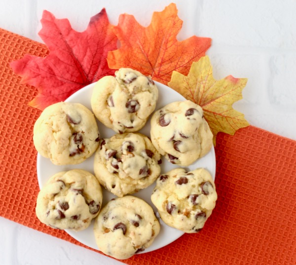 Cake Mix Walnut Chocolate Chip Cookies