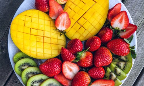 Mango & Strawberry Fruit Platter