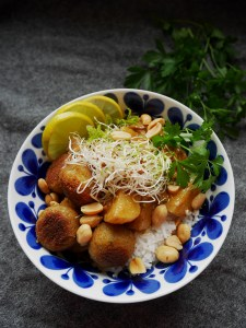 Peanut Curry with Falafel