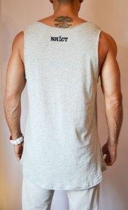 TB0964 camiseta de tirantes gris corte laser trasera