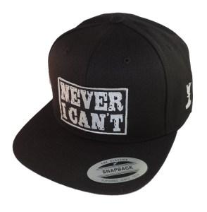 Gorra de moda Never I Can't negra parche negro letras plata2
