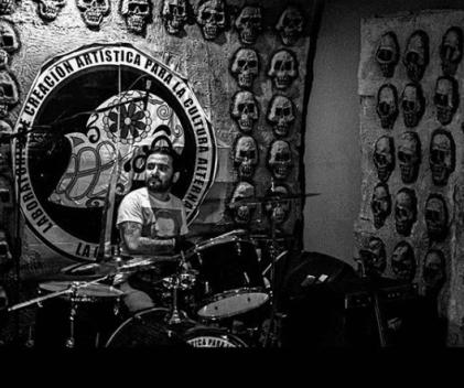 Asedio drummer