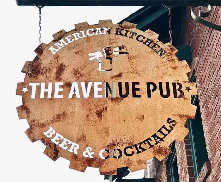 The Avenue Pub Tuscaloosa, Alabama | nevertooldtotravel.com | Gary House
