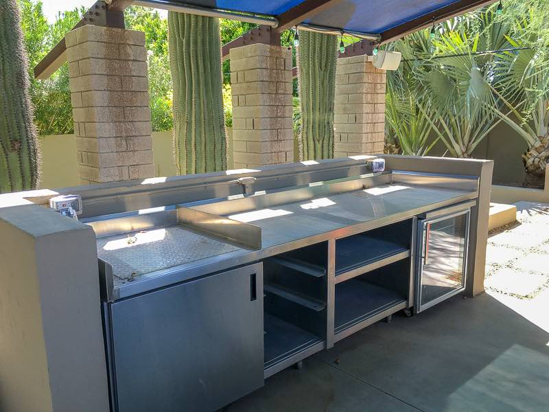 Outdoor kitchen   Nevertooldtotravel.com   Gary House