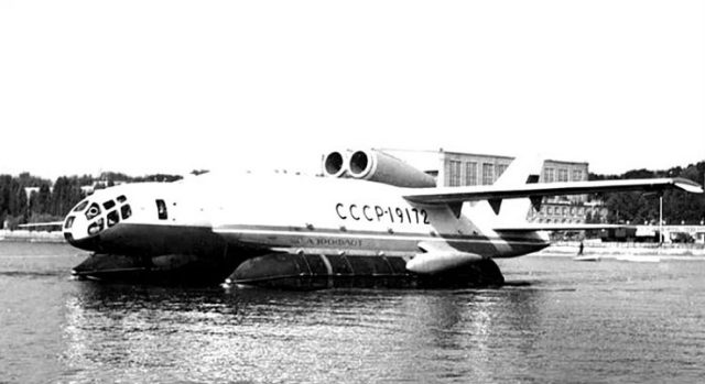 Bartini Beriev VVA-14 ekranoplan