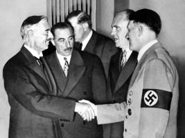 Neville Chamberlain Adolf Hitler