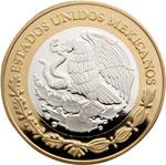 """Банк Мексики выпустил прекрасную коллекцию из шести биметаллических монет в серии """"Нумизматическое наследие"""". Аверс монет с гербом Мексики общий. В верхней части расположена дуговая надпись – «ESTADOS UNIDOS MEXICANOS». Реверс состоит из двух частей. Внешнее кольцо монеты одинаковое. Вдоль края – бусовый обод. В верхней части полукруглая надпись – «HERENCIA NUMISM?TICA DE M?XICO». Слева – знак монетного двора и год эмиссии – «2012». В нижней части указан номинал монеты. Номинал монет 100 песо металл серебро 925-й пробы (внутренний диск) и алюминиевая бронза (внешнее кольцо), масса 33,967 г диаметр 39 мм тираж 30 000 штук. Дизайн внутреннего диска реверса монет разный: на нем изображены монеты, имевшие хождение в стране в различные исторические периоды, начиная с шестнадцатого века по двадцатый."""