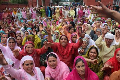 kashmir-women-protest