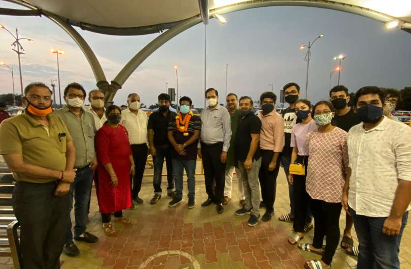 WELCOME: Dr. Goyal welcomed at the airport