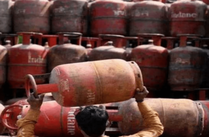 lpg commercial gas price hiked by rs 73 per cylinder