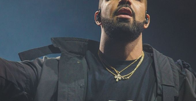 Drake Net Worth, Age, Height, Wife, Profile, Songs