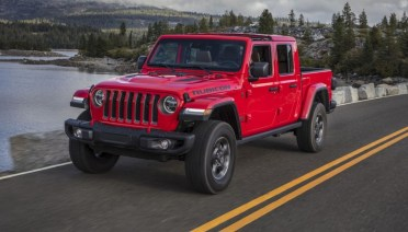 2021 Jeep Gladiator test drive with its new engine